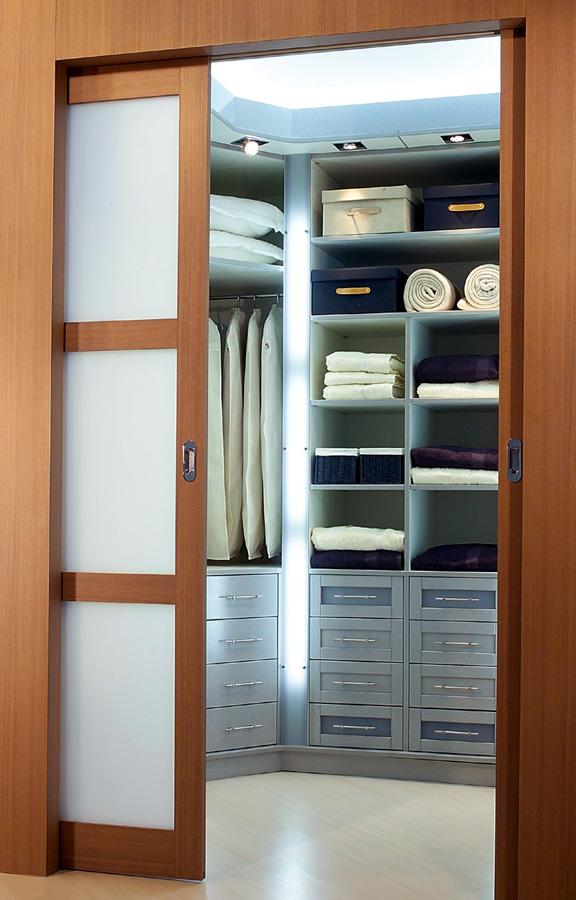dressing sur mesure orl ans paris nos diff rents types de dressing sur mesure hom in. Black Bedroom Furniture Sets. Home Design Ideas