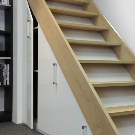 Aménagement sous-escaliers sur mesure Hom'in