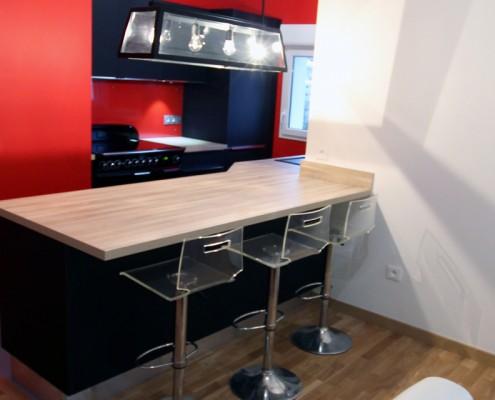 cuisine-noire-et-rouge-hom-in-6