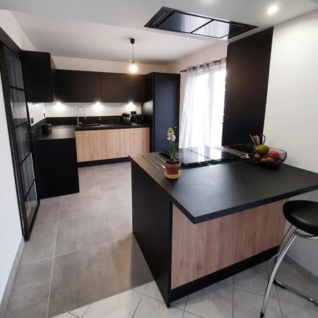 cuisine stratifié bois et noir hom in